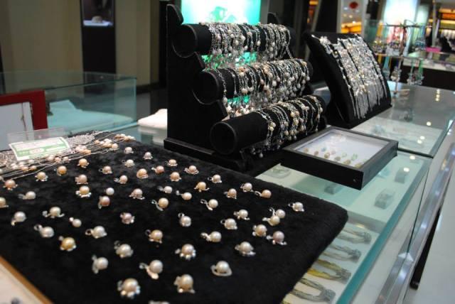 explore pearl shops in Beijing