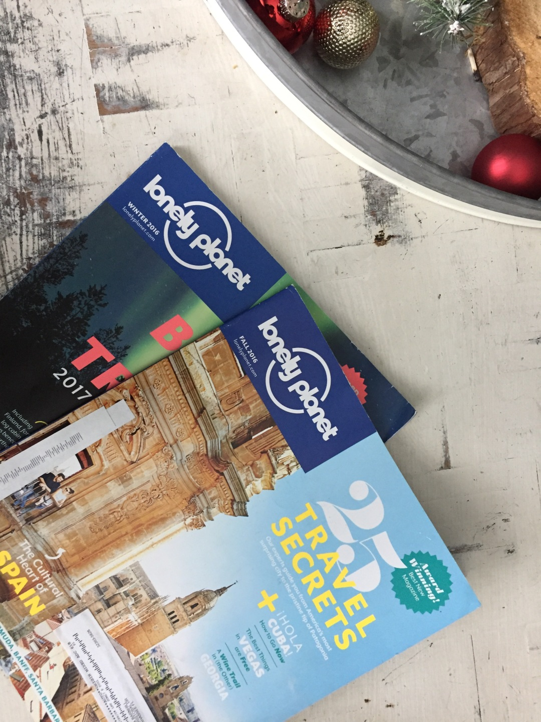 lonely planet magazine holiday gift idea for travelers